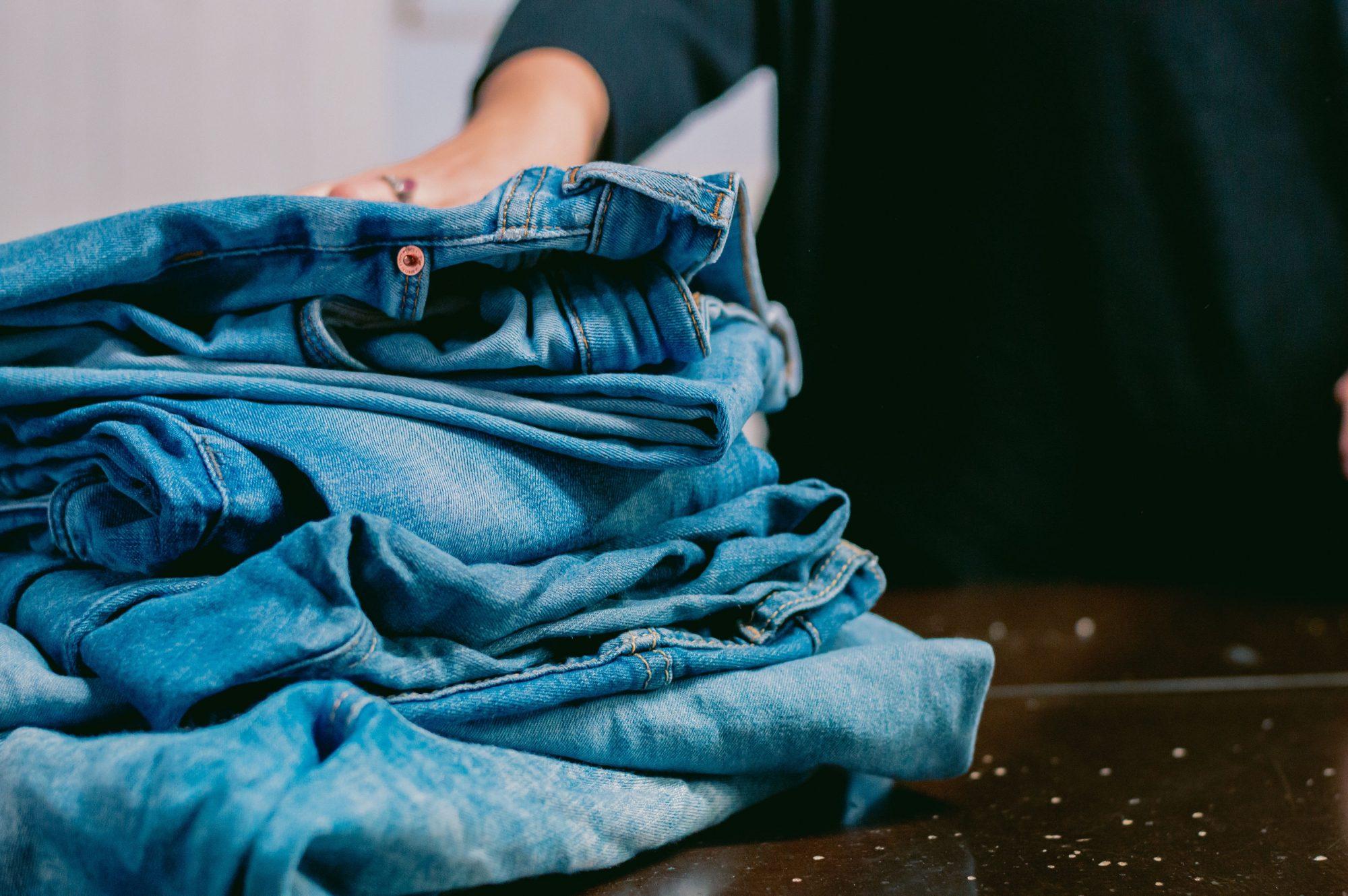 Stapeltje jeans 2